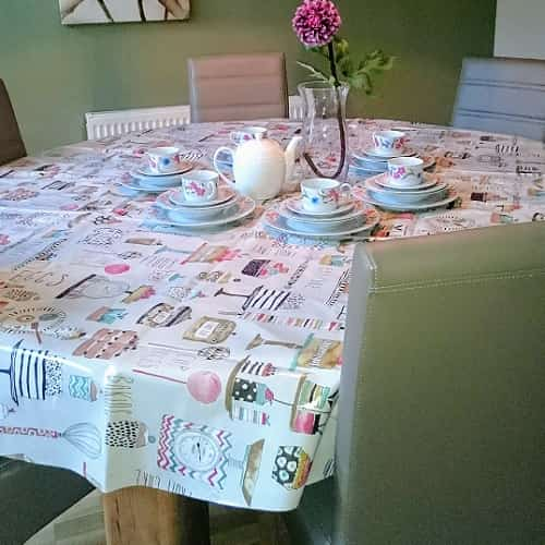 TABLECLOTHS FOR EXTRA-WIDE TABLES