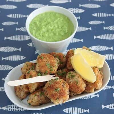 CRISPY BAKED FISH BITES WITH GREEN PEA DIP