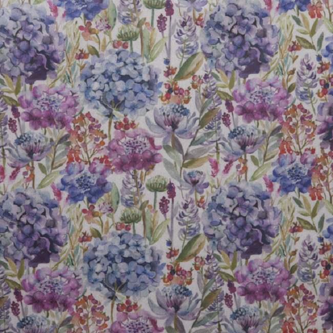 Purple tablecloths