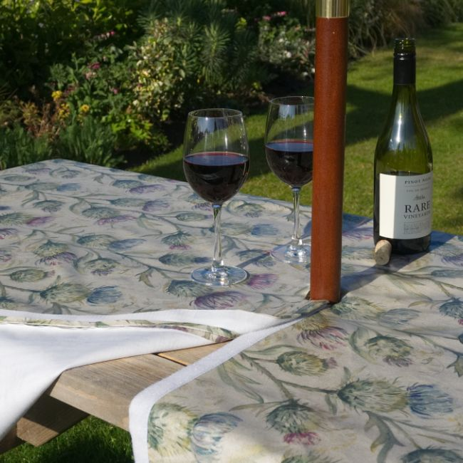 Tablecloths with a parasol hole