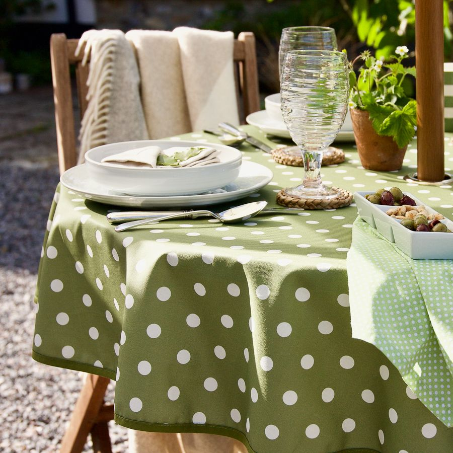 Tablecloths for the garden